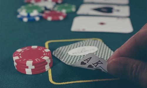 3 kaikkien aikojen suosituinta kasinopeliä Pokeri - 3 kaikkien aikojen suosituinta kasinopeliä