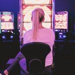 2-tapaa-joilla-liikkuvat-kasinot-tarjoavat-parempia-pelimahdollisuuksia-kuin-normaalit-kasinot